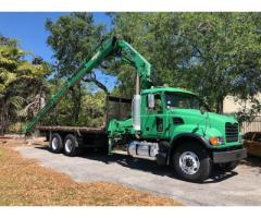 2006 MACK GRANITE FLATBED WITH CRANE - USED COMMERCIAL TRUCKS FOR SALE IN MIAMI