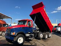 2005 MACK CV-713 GRANITE TRI-AXLE